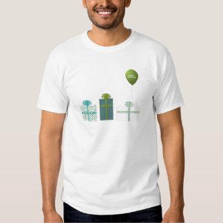 Verde moderno y cumpleaños de la turquesa feliz playeras