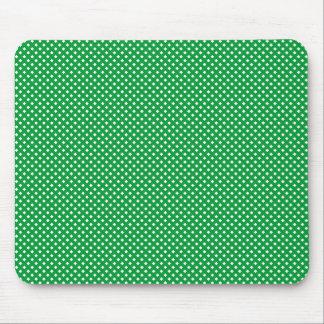 Verde neto del modelo con blanco alfombrillas de ratón