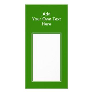 Verde oscuro con el área y el texto blancos plantilla para tarjeta de foto