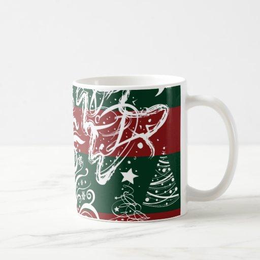 Verde rojo del árbol de navidad festivo del día de taza de café