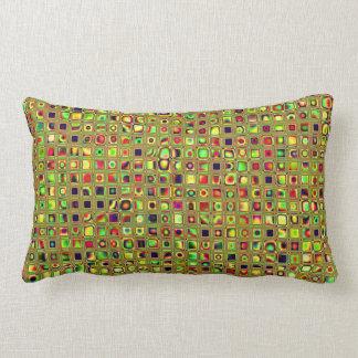 Verde rojo y modelo texturizado mosaico de las te almohadas