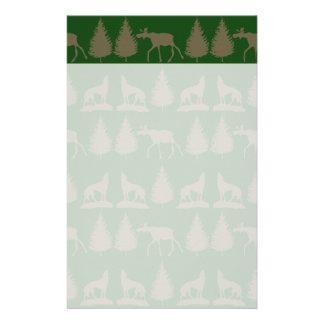 Verde rústico salvaje del moreno de los árboles de  papeleria de diseño