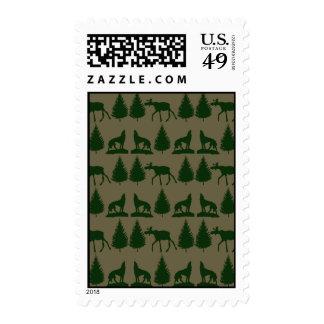 Verde rústico salvaje del moreno de los árboles de envio