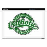 Verde sagrado de la escuela católica del corazón skins para 43,2cm portátiles