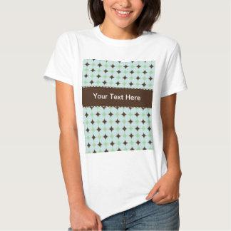 Verde salvia y modelo de Brown Remeras