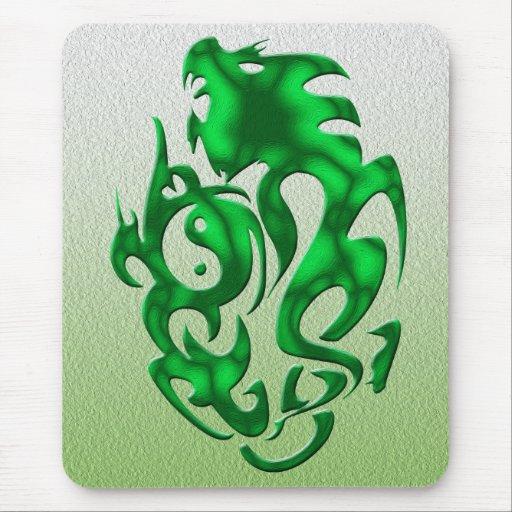 Verde torcido del dragón alfombrilla de ratones