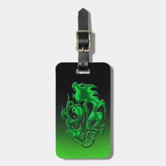 Verde torcido del dragón etiquetas para maletas