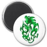 Verde torcido del dragón iman de nevera