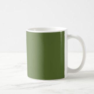 Verde verde oliva oscuro taza básica blanca