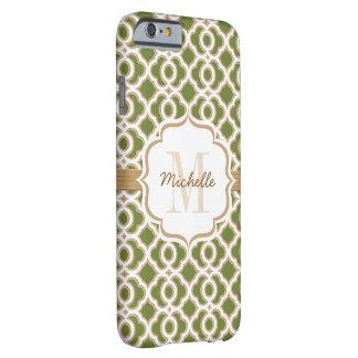Verde verde oliva y oro Quatrefoil del monograma Funda Para iPhone 6 Barely There