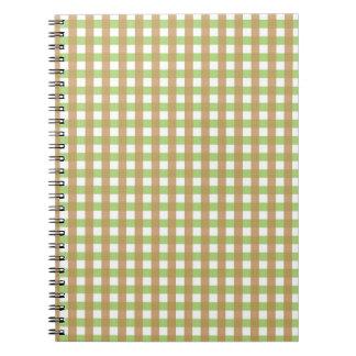 Verde y cuaderno marcado con rayitas cruzadas Brow
