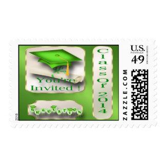Verde y franqueo de la invitación de la graduación