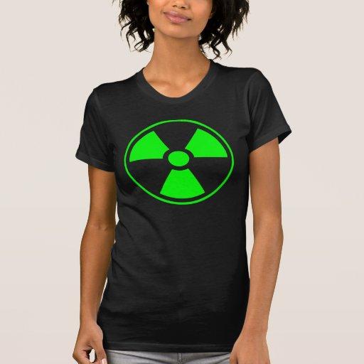 Verde y negro radiactivos del símbolo de la camisas