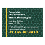 Verde y nueva invitación del graduado del oro