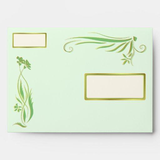 Verde y ornamento floral del oro
