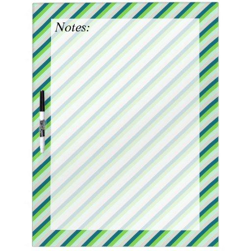 Verde y rayas de la diagonal del trullo pizarras blancas
