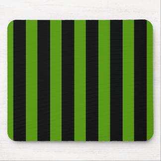 Verde y rayas negras alfombrillas de raton