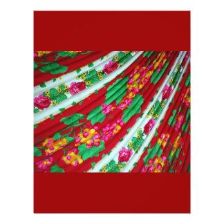VERDES BLANCOS ROJOS Colorfull-textile-with-fringe Tarjetón