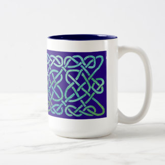 Verdete del nudo de cuatro corazones en azul taza de dos tonos