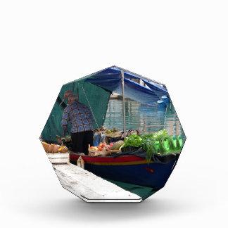 Verdulero flotante en Venecia