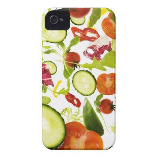 Verduras de ensalada mezclada frescas que caen a l Case-Mate iPhone 4 cobertura