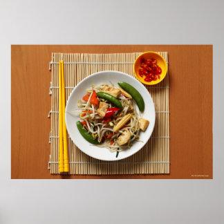 Verduras fritas stir del chino con los chiles póster