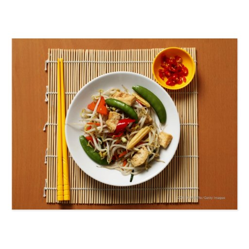 Verduras fritas stir del chino con los chiles postal