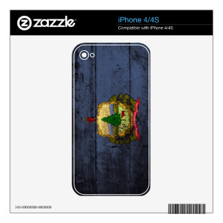 Vermont State Flag on Old Wood Grain Decals For The iPhone 4S