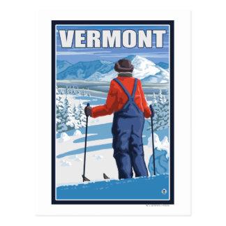VermontSkier que admira la visión Tarjeta Postal