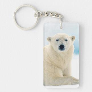 Verraco grande adulto del oso polar en el hielo llavero rectangular acrílico a doble cara
