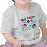 Versión de los muchachos del alfabeto del niño camiseta