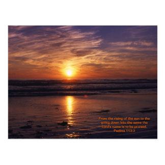Verso de la biblia de la puesta del sol del océano tarjetas postales