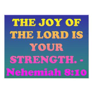 Verso de la biblia de Nehemiah 8: 10. Impresión Fotográfica