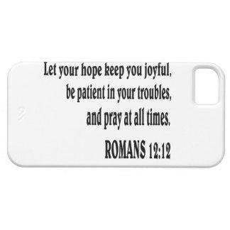Verso de la biblia del 12:12 de los ROMANOS Funda Para iPhone 5 Barely There
