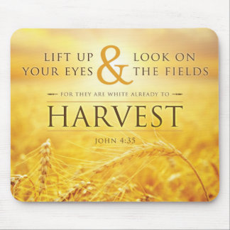 Verso de la biblia del 4:35 de la cosecha Mousepad