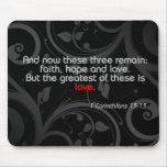 Verso de la biblia del amor, negro/rojo tapete de ratón