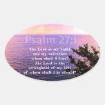 VERSO INSPIRADO de la BIBLIA del 27:1 del salmo Calcomanía Oval