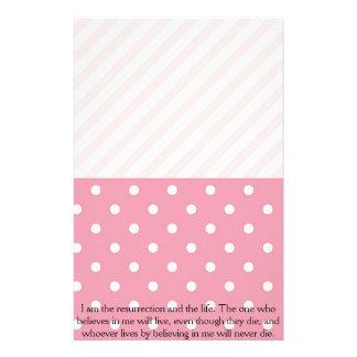 Verso rosado de Pascua de la primavera Papelería De Diseño