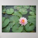 Verso rosado y verde de la flor w/Bible del cojín  Poster