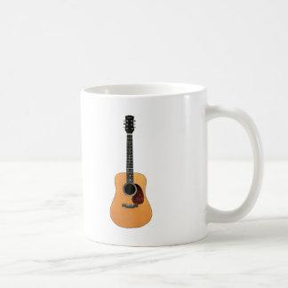 Vertical de la guitarra acústica taza de café