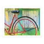 Vertiente vieja de ciclo que monta en bicicleta de postales