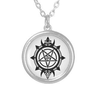 Verum Quaerere Round Pendant Necklace