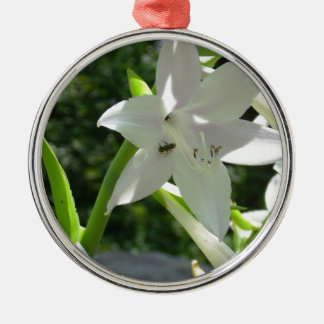 Very Pretty White Lilly Like Flower w/ a baby Bee Metal Ornament