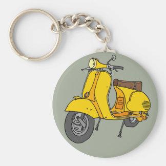 Vespa de motor amarilla llavero redondo tipo pin