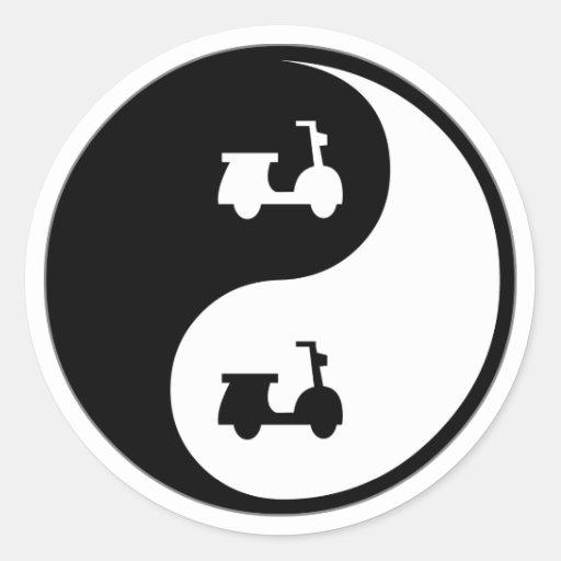 Vespas de Yin Yang Pegatinas Redondas