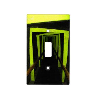 Vestíbulo frecuentado cubiertas para interruptor