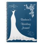 Vestido blanco en el cuaderno azul del planificado