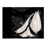 Vestido de boda blanco y negro tarjeta postal