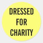 Vestido para el amarillo de la caridad etiqueta redonda