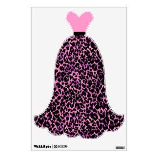 Vestido rosado del modelo del guepardo